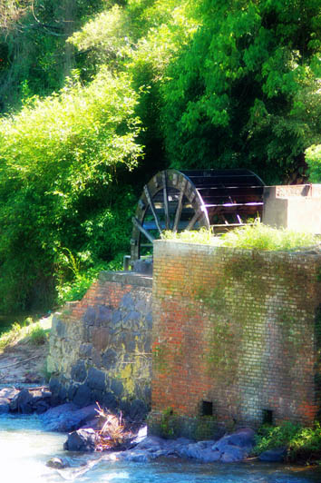 countryside water-wheel1290396